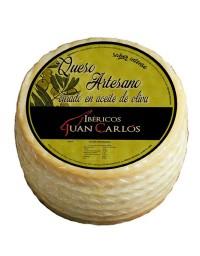 "Handmade Cheese cured in olive oil ""Ibéricos Juan Carlos"""
