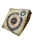 Morceau de fromage Payoyo au romarin