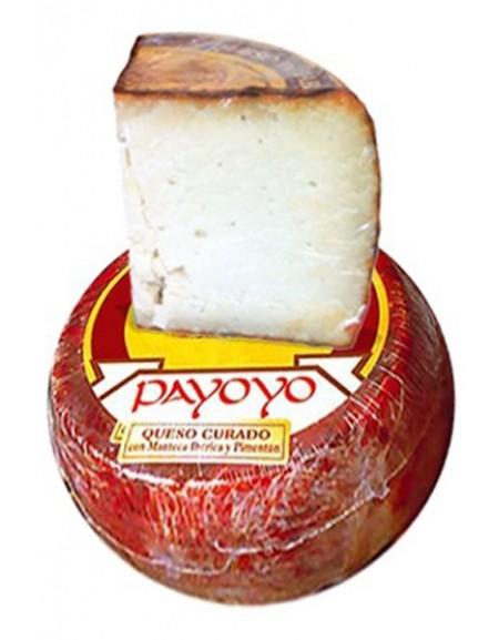 Morceau de fromage Payoyo au paprika