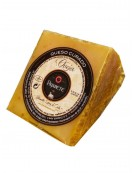 Morceau de Fromage de brebis Pajarete endurci à l'huile