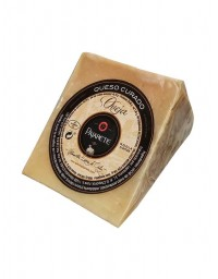 Pajarete's Sheep cheese cured in lard - wedge